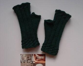 Fingerless gloves, Fingerless mittens