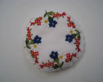 Vintage but New NWT ALBA Swiss Made Edelweiss Floral Embroidered Sachet Keepsake Souvenir 4x4