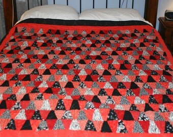 Red/Black/White Tumbler Quilt