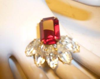 vinage rhinestone post earrings