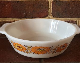 Pyrex Sunflower Casserole Dish, 1970s Retro Pyrex, Vintage Pyrex, 1.1 litre Ovenproof dish, Retro Kitchenalia, Kitchenalia, Made in England,