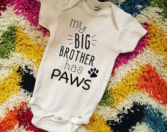 My big brother has paws // my big sister has paws // dog onesie // personalized onesie // custom onesie // baby onesie // baby shower gift