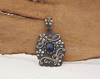 Ooak Sterling silver filigree pendant with lapis lazuli