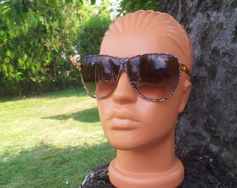 Vienna Line 1360 vintage sunglasses / oversized glasses for ladies / 70's model / N O S /