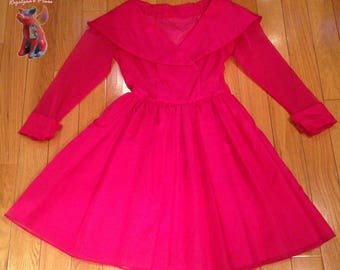 Knock-out pink 50s party dress