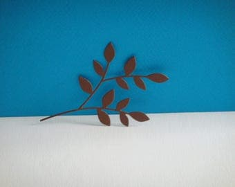 Cut branch leaf to create Brown drawing paper
