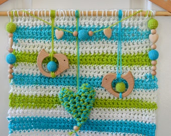 Hanging/tapestry/mobile wall birds and heart-shaped hand crochet