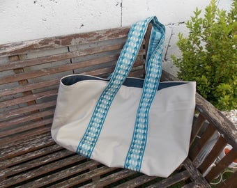 Beige and large canvas tote bag trim