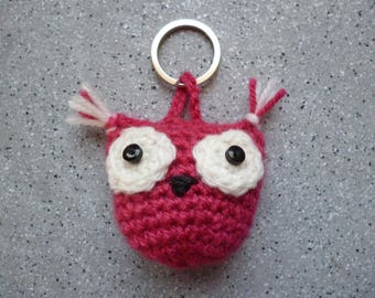 Key OWL crocheted wool made by hand.