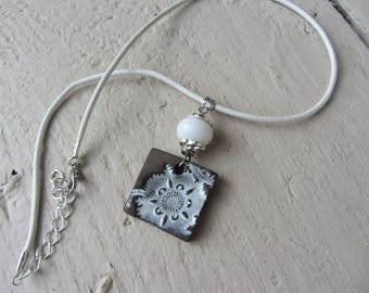 crew neck ceramic pendant ethnic flower, Pearl glass and leather cord, white and grey taupe
