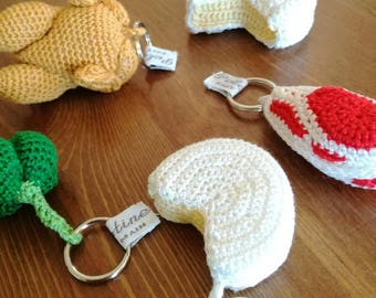 """Keychain dinette in the form of """"Cheese"""" crocheted in fine cotton"""