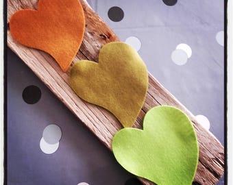set of 3 hearts felt tones green and Brown