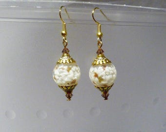 GLASS PEARL EARRINGS WHITE AND GOLD