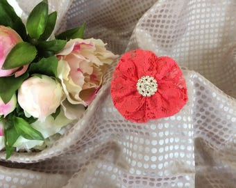 Flower 7 cm in coral lace and rhinestones