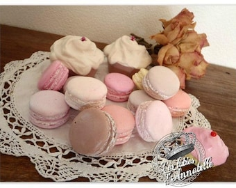Set of 12 Pinback buttons and 2 cupcakes plaster tinted in the Style Shabby mass