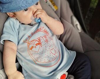 Baby shirt organic cotton with colorful sloth printing, screen printing