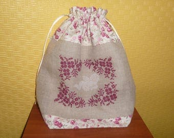 bag embroidered cross-stitch, linen and cotton red and beige