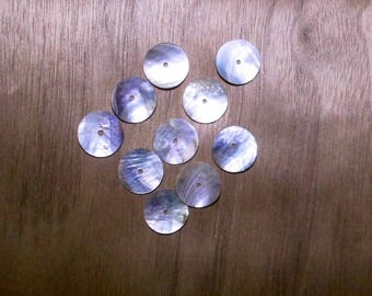 10 PEARL 15MM CENTRAL HOLE FLAT ROUND BEADS