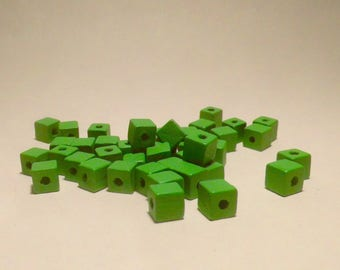 40 SQUARE CUBE 8MM GREEN WOOD BEADS