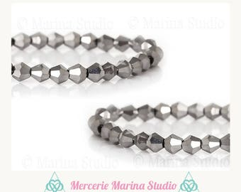 25 MS69972 4x4mm faceted silver bicone beads