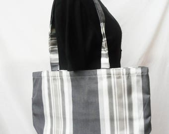 Tote bag with stripes