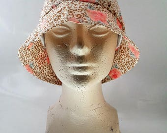 bob Hat taupe and pink