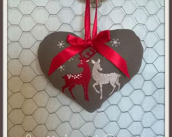 Hanging heart embroidered on the Christmas theme
