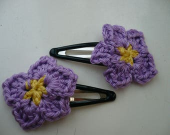 2 hair pins purple crochet flower