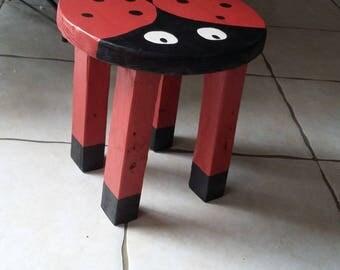 tabouret enfant thème coccinelle en bois