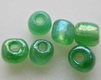 seed bead green glass iridescent free 3rd 11.3