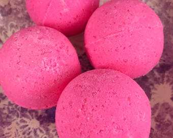 OMG! What's in there? - Bubble Gum Scented Bath Bomb w/Toy inside - Great for Kids - Bath Time fun