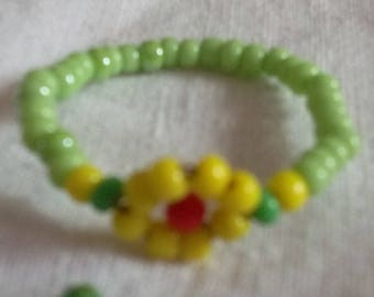 Green yellow flower ring