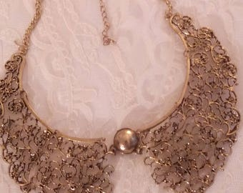 Peter Pan collar necklace in antique