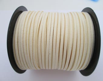 1 mètre cordon plat suédine largeur 2.5 mm couleur : blanc écru