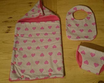Keychain for 36 to 40 cm doll: Bunting, bib and pink layer (a purple cotton hearts)