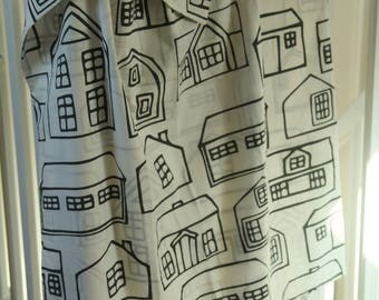 "Duvet cover ""houses"" for baby bed"