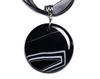N1 - Necklace - black and white Agate stone pendant 47mm round
