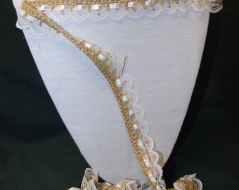 2.50 m ivory lace and gold