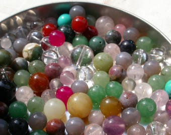 set of 12 beads and stone agate jade, crystal stones