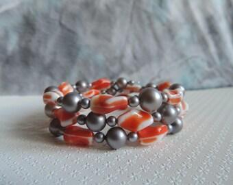 Bracelet 3 rows, wire shape memory, vintage glass beads