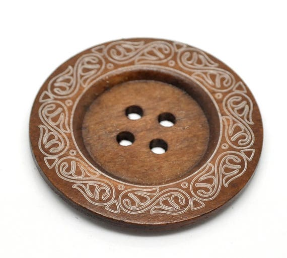 BB60102 - 1 BUTTON WOOD BROWN 6 CM LARGE
