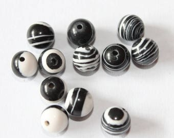 stone 6 mm, black and white, set of 10 beads