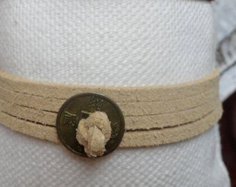 Bracelet several rounds Tan suede and bronze charms