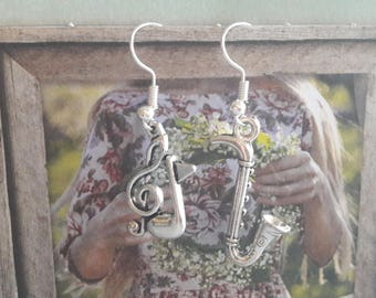 A pretty pair of earrings music notes, musical instrument