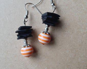 Room recycled bike tube and Pearl resin earrings - orange