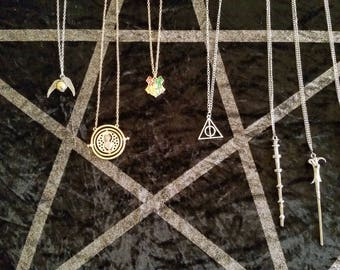Harry Potter Jewelry, Harry Potter Time Turner, Harry Potter Golden Snitch, Harry Potter Deathly Hollows, Wands, Griffendor