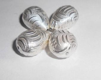 Silver teardrop shaped Bead 20 x 14 mm. (9252097)