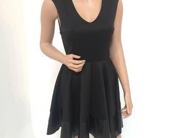 Classy Vintage V- Neck shoulder pad dress