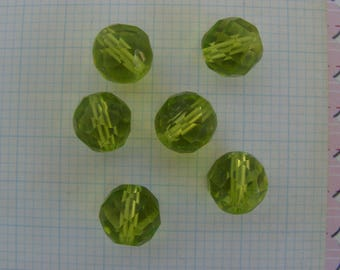 Set of 6 round 10mm lime green transparent faceted glass beads