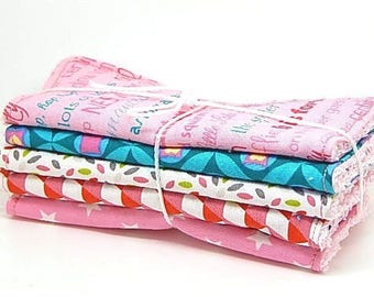 5 large wipes baby or cleansing colors pink and Red //cadeau //cadeau newborn baby